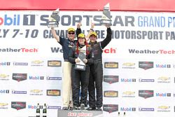 ST Podio: ganadores #44 CRG-I Do Borrow Honda Civic Si: Sarah Cattaneo, Owen Trinkler