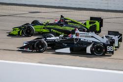 Alexander Rossi, Andretti-Herta Autosport Honda, Charlie Kimball, Chip Ganassi Racing Chevrolet