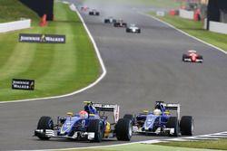 Felipe Nasr, Sauber C35, précède son équipier Marcus Ericsson Sauber C35