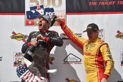 Race winner Will Power, Team Penske Chevrolet, third place Ryan Hunter-Reay, Andretti Autosport Honda