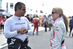 Juan Pablo Montoya, Team Penske, Chevrolet; Pippa Mann, Dale Coyne Racing, Honda