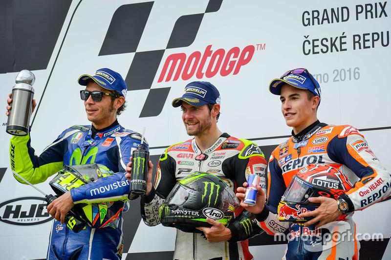 Podio: 1º Cal Crutchlow, 2º Valentino Rossi, 3º Marc Márquez