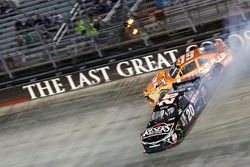 Unfall: Daniel Suarez, Joe Gibbs Racing, Toyota; Erik Jones, Joe Gibbs Racing, Toyota