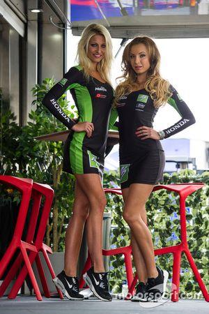 Hermosa chicas de la parrilla