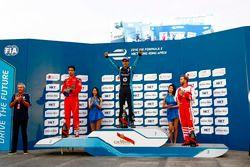 Podium : le vainqueur Sébastien Buemi, Renault e.dams, le 2e Lucas di Grassi, ABT Schaeffler Audi Sport, et le 3e Nick Heidfeld, Mahindra Racing