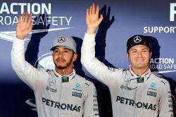 Qualifiche: il secondo qualificato Lewis Hamilton, Mercedes AMG F1; il poleman Nico Rosberg, Mercede