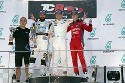 Podio: Ganador de la carrera Roberto Colciago, Honda Civic TCR, Target Competition; segundo lugar St