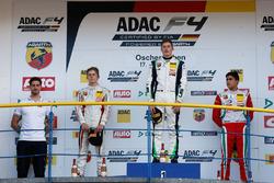 Podio: ganador de la carrera Kim-Luis Schramm, US Racing, segundo lugar Leonard Hoogenboom, Van Amer