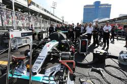 Nico Rosberg, Mercedes AMG F1 W07 Hybrid sur la grille
