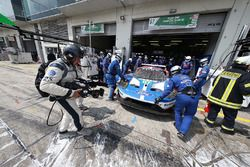 #67 Ford Chip Ganassi Racing Team UK Ford GT: Marino Franchitti, Andy Priaulx, Harry Tincknell, desp