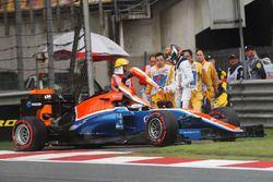 Pascal Wehrlein, Manor Racing MRT05 crash