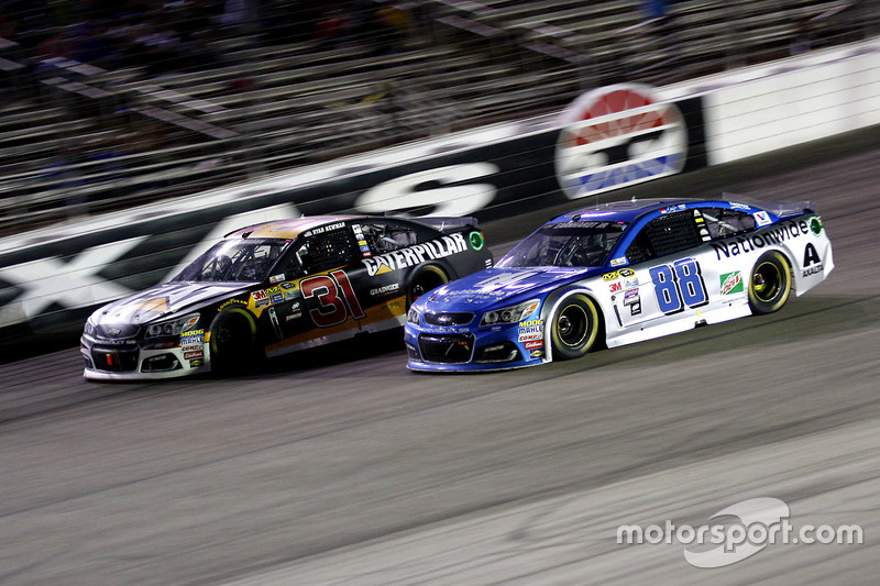 Ryan Newman, Richard Childress Racing Chevrolet e Dale Earnhardt Jr., Hendrick Motorsports Chevrolet