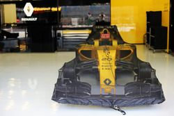 El Renault Sport F1 Team RS16 de Kevin Magnussen, Renault Sport F1 Team RS16 en parc ferme