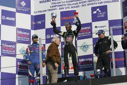 Podio Gara 2: il vincitore Davide Uboldi, Eurointernational, il secondo classificato Danny Molinaro,