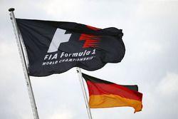 F1 ve Almanya bayrakları