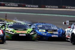 Chrash: #16 GRT Grasser-Racing-Team, Lamborghini Huracán GT3: Luca Stolz, Mirko Bortolotti und #66