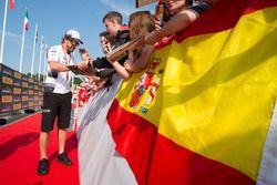 Фернандо Алонсо, McLaren с фанатами