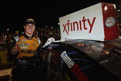Yarış galibi Erik Jones, Joe Gibbs Racing Toyota