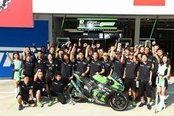 #87 Team Green: Akira Yanagawa, Kazuki Watanabe, Leon Haslam