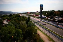 Max Verstappen, Red Bull Racing RB12 überholt Jordan King, Manor Racing