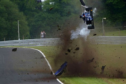 Ameya Vaidyanathan in a huge crash