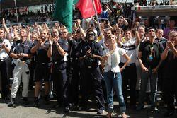 BMW Team Germany, celebrar la victoria de Augusto Farfus, con su novia Liri Johnsson