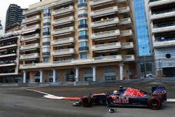 Carlos Sainz Jr., Scuderia Toro Rosso STR11 restos de pasadas
