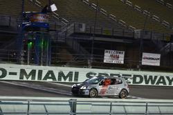#13 MP2B Volkswagen GTI 2.0T: Johary Gonzalez, Fabian Santos, Ray Rivera of FS Tuning