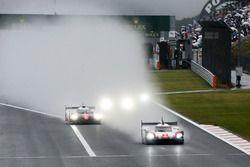 #2 Porsche Team Porsche 919 Hybrid: Timo Bernhard, Earl Bamber, Brendon Hartley, #8 Toyota Gazoo Rac