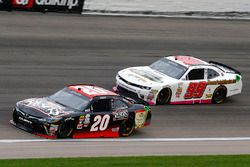 Erik Jones, Joe Gibbs Racing Toyota, David Starr, BJ McLeod Motorsports Chevrolet
