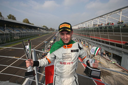 Il campione Matteo Zucchi, Seat Motor Sport Italia sul podio