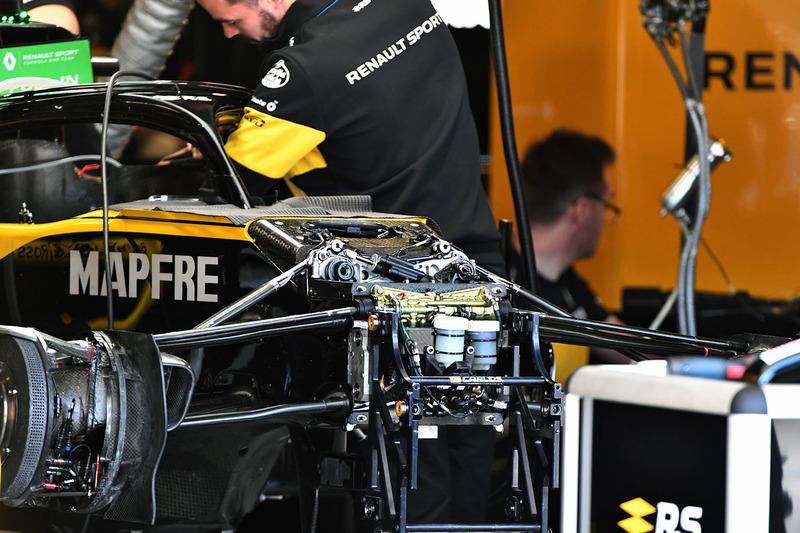 Renault Sport F1 Team R.S. 18 ön süspansiyon detay