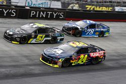 William Byron, Hendrick Motorsports, Chevrolet Camaro AXALTA, Harrison Rhodes, Rick Ware Racing, Chevrolet Camaro Industrial Construction Experts, Inc, and Martin Truex Jr., Furniture Row Racing, Toyota Camry Auto-Owners Insurance