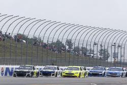 Jimmie Johnson, Hendrick Motorsports, Chevrolet Camaro Lowe's for Pros Chase Elliott, Hendrick Motorsports, Chevrolet Camaro NAPA Auto Parts
