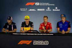 Sergio Perez, Force India, Nico Hulkenberg, Renault Sport F1 Team, Sebastian Vettel, Ferrari y Pierre Gasly, Scuderia Toro Rosso en la conferencia de prensa