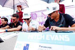 Mitch Evans, Jaguar Racing, Nelson Piquet Jr., Jaguar Racing, sign autographs for fans
