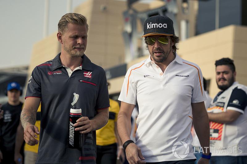 Kevin Magnussen, Haas F1, Fernando Alonso, McLaren