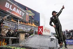 Race winner Ryan Blaney, Team Penske, Ford