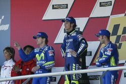 Podium: Race winner Valention Rossi, Yamaha, second place Sete Gibernau, Honda, third place Marco Melandri, Honda