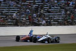 Scott Dixon, Chip Ganassi Racing Honda, Simon Pagenaud, Team Penske Chevrolet