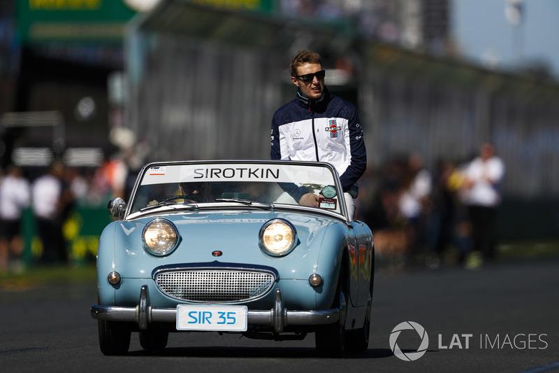 Sergey Sirotkin, Williams Racing, en el desfile de pilotos