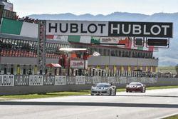 Drapeau à damier pour #111 Wilde World of Cars Ferrari 488: Peter Ludwig
