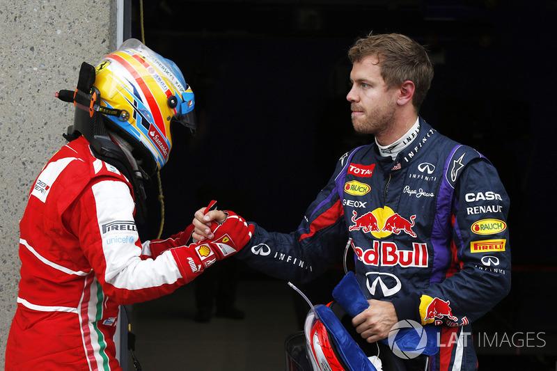 Ganador de la pole Sebastian Vettel, Red Bull Racing con Fernando Alonso, Ferrari