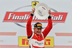 Podium Coppa Shell: vainqueur #360 Formula Racing Ferrari 488: Johnny Laursen