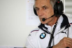 Руководитель BMW Team Schnitzer Чарли Ламм