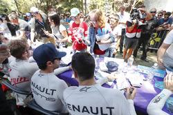 Sébastien Buemi, Renault e.Dams, Nicolas Prost, Renault e.Dams alla sessione autografi