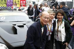 Cao Fei en el coche de Augusto Farfus, BMW Team Schnitzer, BMW M6 GT3