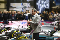 Nigel Mansell talks on the F1 Racing Stand