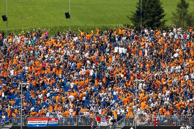 Tifosi olandesi a supporto di Max Verstappen, Red Bull Racing