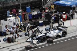 Max Chilton, Carlin Chevrolet, s'arrête aux stands